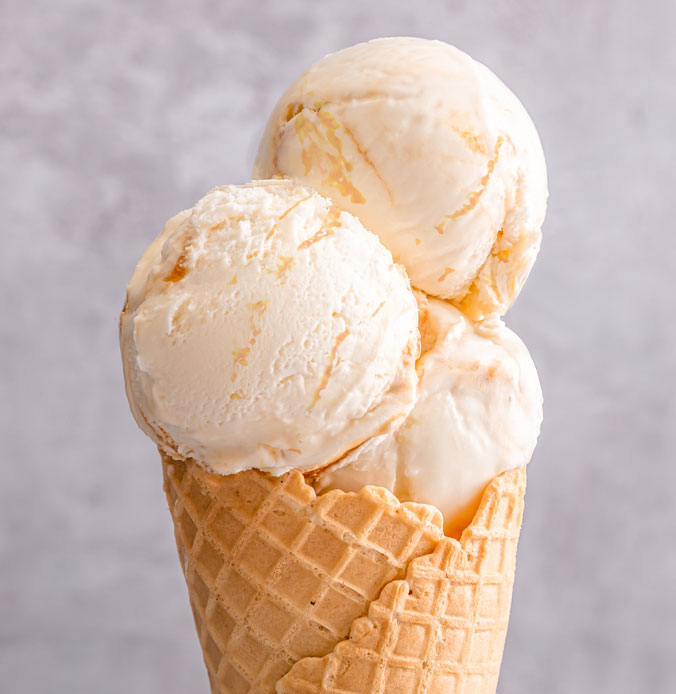 Lakes Ice Cream Classic Toffee Fudge Flavour