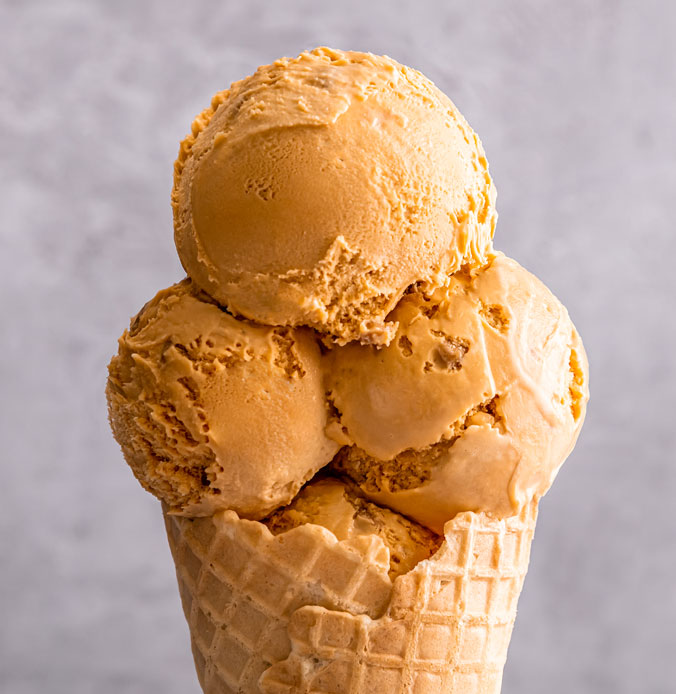 Lakes Ice Cream Caramel Crunch Flavour